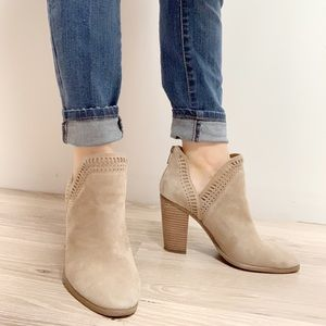 Vince Camuto Fileana Booties Boots Tan Suede 8